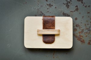 Nic-Tamlins-wooden-money-holder-2